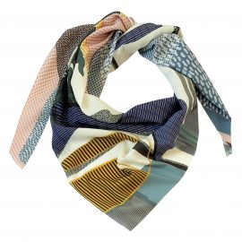 foulard POOL triangle porté
